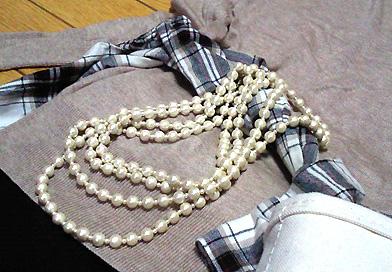 コットンパールのネックレスはお役立ちです