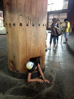 奈良大仏 穴通り