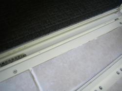浴室ドアサッシ掃除 アフター1