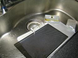 換気扇部品洗い