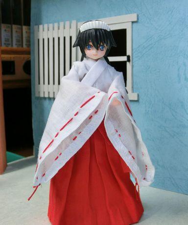巫女服 (1)