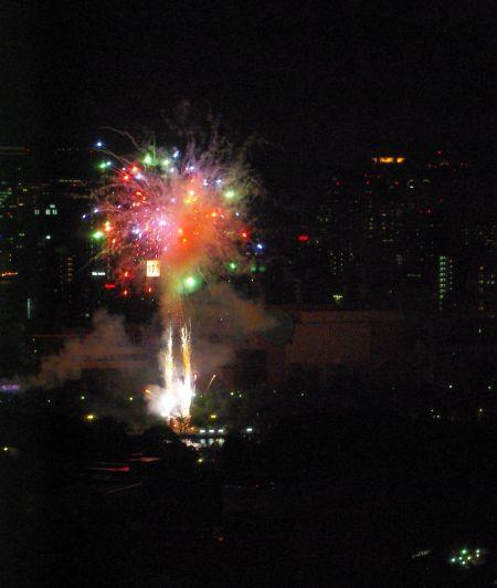 130725-天神祭の花火4