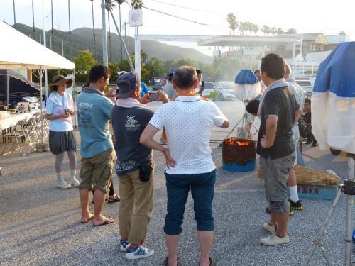 05_カツオ藁焼き開始