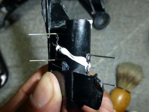 10_砕けた部分の修復