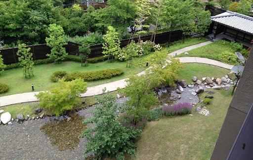宿のお庭1