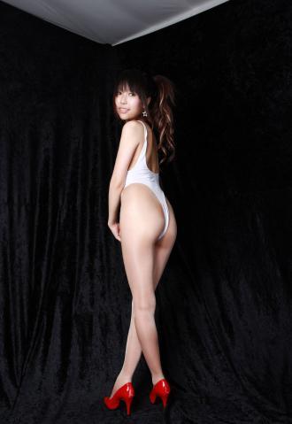 amina_kimura_dc1204.jpg
