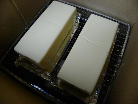 チーズの塊