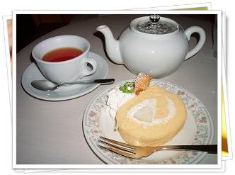 ラフランスのロールケーキ