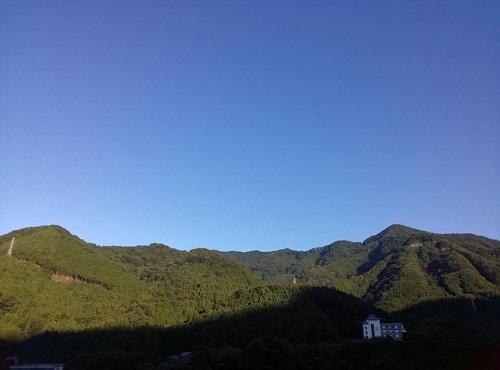 鬼怒川温泉郷の朝①