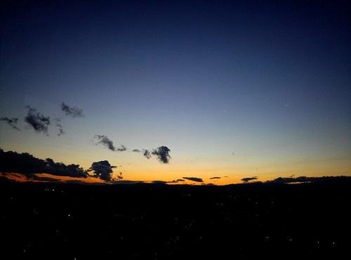 <twilight>