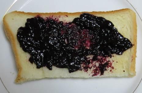ブルーベリジャムとパン