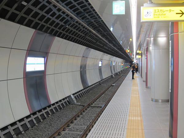 2013年に地下化された下北沢駅