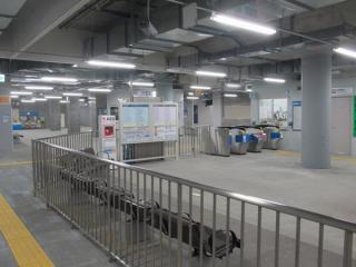 地下2階改札口