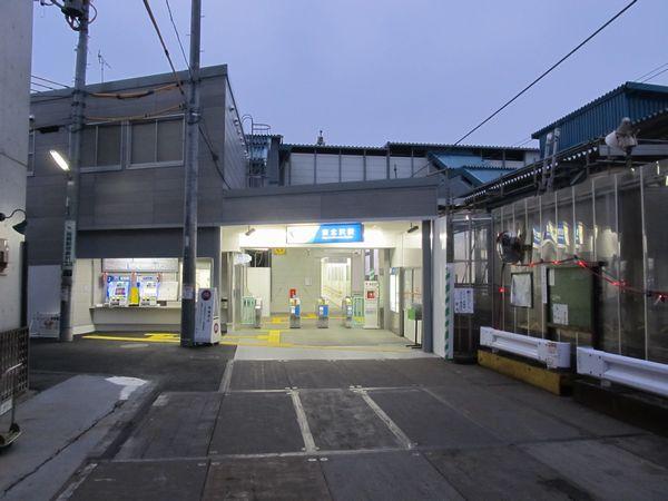 東北沢駅仮設駅舎
