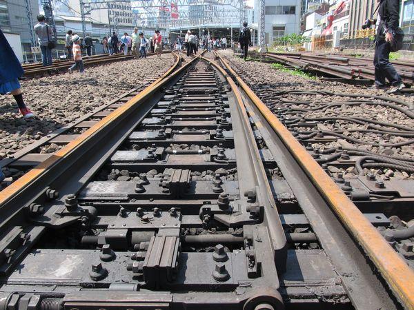 1日数百本の列車が行き来した東横線渋谷駅のレール