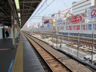 御徒町駅付近は留置線3本のうち2本の改修が完了しており、残り1本の改修が進められている。
