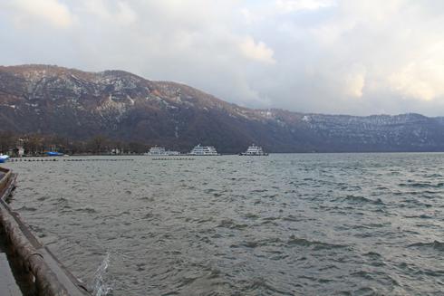十和田湖と乙女の像-1