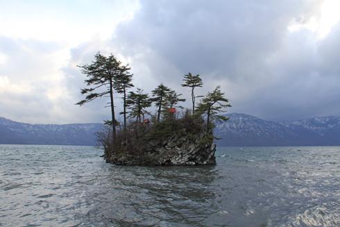 十和田湖と乙女の像-2
