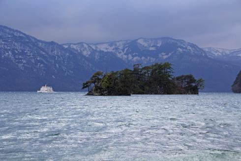 十和田湖と乙女の像-3