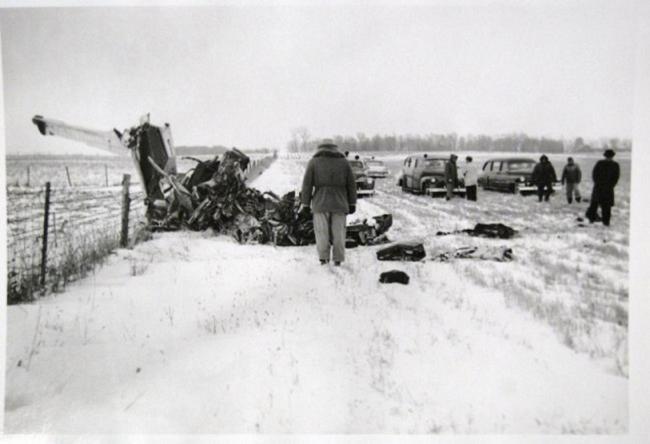 Buddy-Holly-plane-crash-scene_convert_20131121144723.jpg