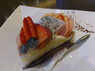 sショコランカフェのミックスベリーのチョコタルト2