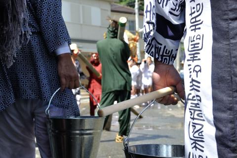 水かけ祭りバケツ