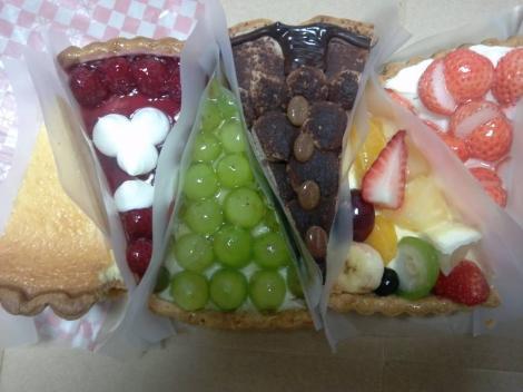 キルフェボン静岡のケーキのおみやげをデジカメショット画像