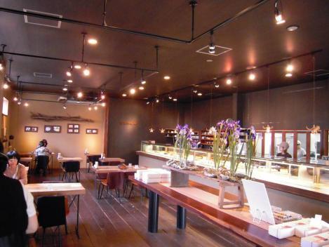 富士市のキャトルエピス人気ケーキ店内の様子をデジカメ撮影させてもらった