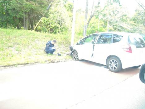 ゴールデンウイーク終盤に目撃した車両の衝突事故現場を目撃しデジカメ写真撮影した