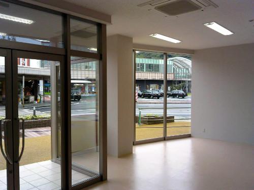 倉吉駅前商業施設