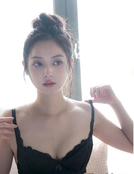 【画像あり】佐々木希、写真集「ささきき」発売。下着姿&すっぴんを公開「ありのままを見てほしい」2