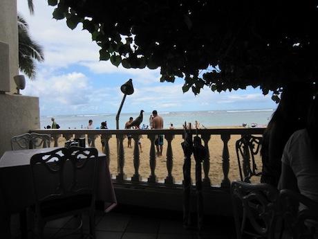 ビーチに近い席