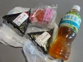 7:14 朝食(^^ゞ 食べようと思ったら、搭乗が始まったので結局機内で食べました。