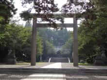 8:19 岩手護國神社の鳥居