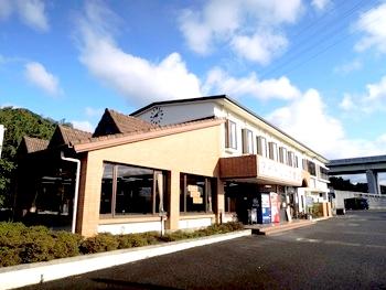 亀山トラックステーションの外観