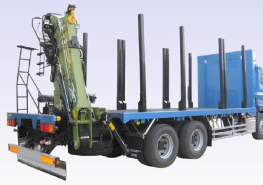 木材運搬車