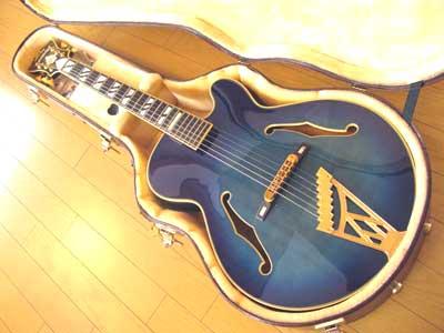 Blue-Guitar-07