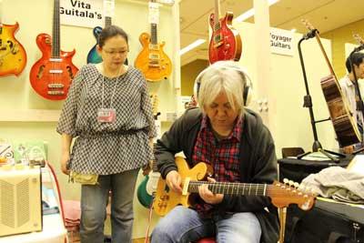 東京ハンドクラフトギターフェス2013-2-02