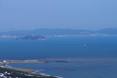 江の島と烏帽子岩