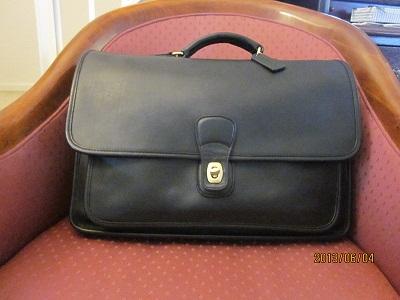コーチの黒鞄