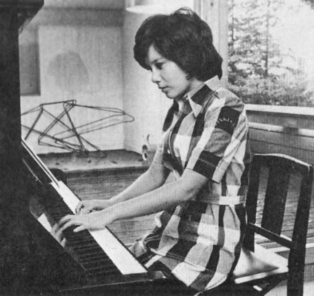 ピアノ001
