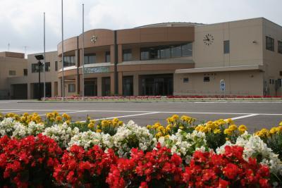 花壇と校舎1