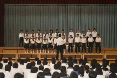 全校合唱1