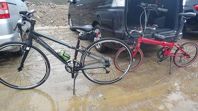 泥だらけになる直前の自転車