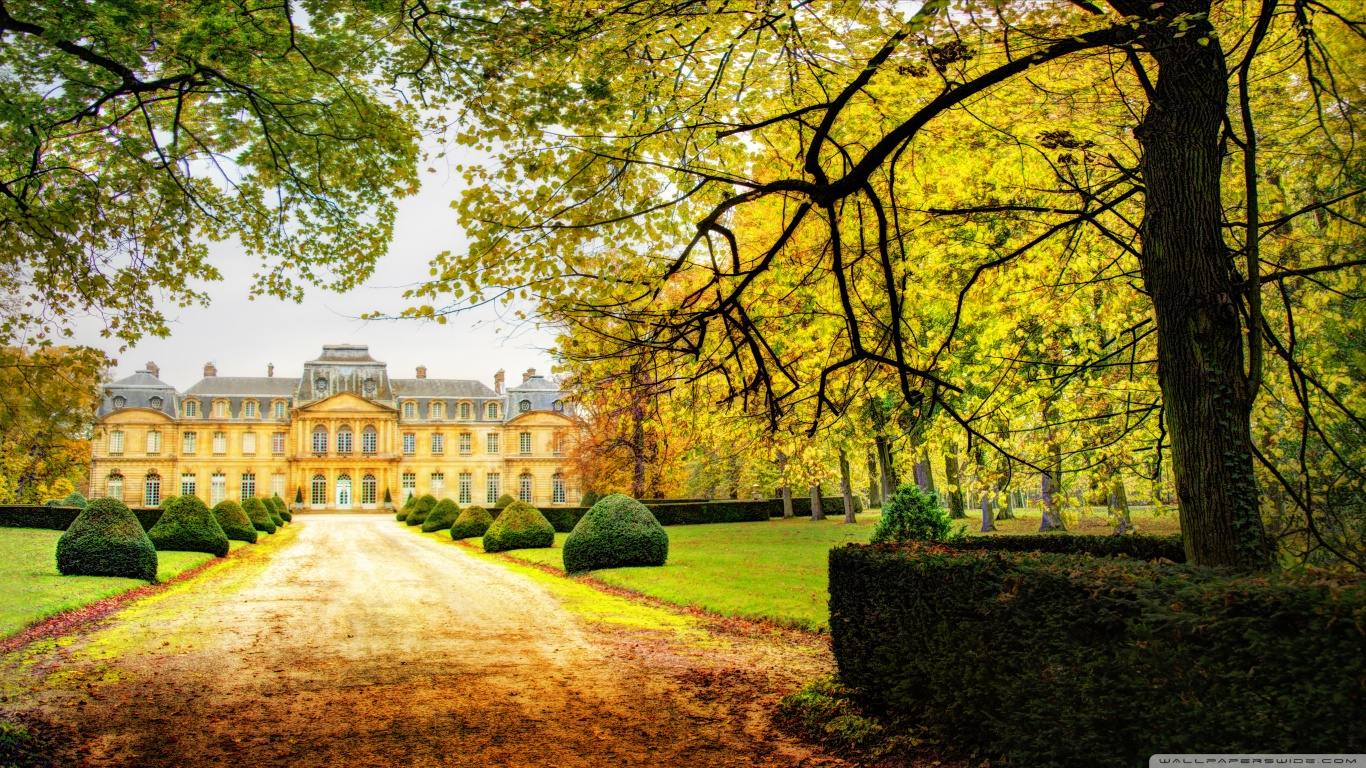 afternoon_at_the_chateau-wallpaper-1366x768.jpg