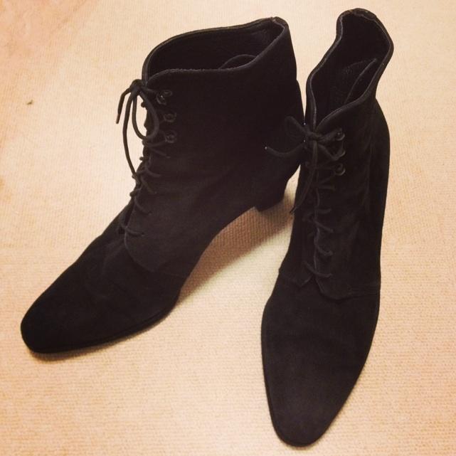 ロンドンアートファクトリースエードショートブーツ黒