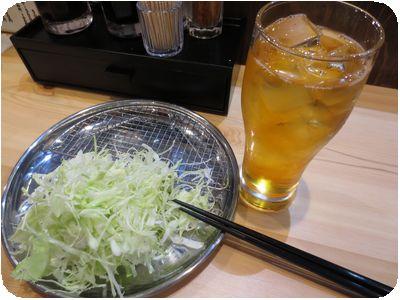 緑茶(ソフトドリンク)+千切りキャベツ(お替り自由)