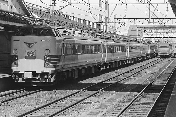 600322弘前駅_485系特急むつ_2
