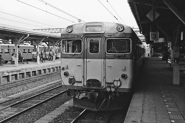 600325山形駅_左沢線普通列車1