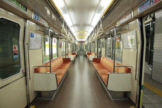 20131012_osaka_subway_70n-in01.jpg